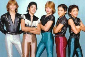 """13. """"Menudo"""". La agrupación puertorriqueña infantil también dejaba mucho qué desear en cuanto a su vestuario. Foto:Know Your Meme. Imagen Por:"""