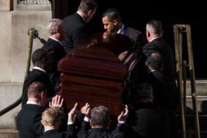 Mujer despertó gritando en funeraria: La declararon muerta por error Foto:Getty Images. Imagen Por: