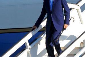 John Kerry arribando al aeropuerto de La Habana Foto:AFP. Imagen Por: