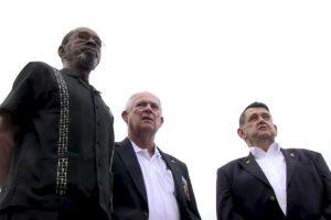 Larry Morris, Mike East y Jim Tracy llegaron a La Habana para la ceremonia del izado del estandarte estadounidense en La Habana Foto:AFP. Imagen Por: