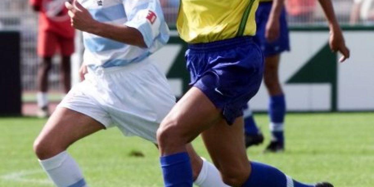 El brasileño Rivaldo anunció su retiro del fútbol profesional