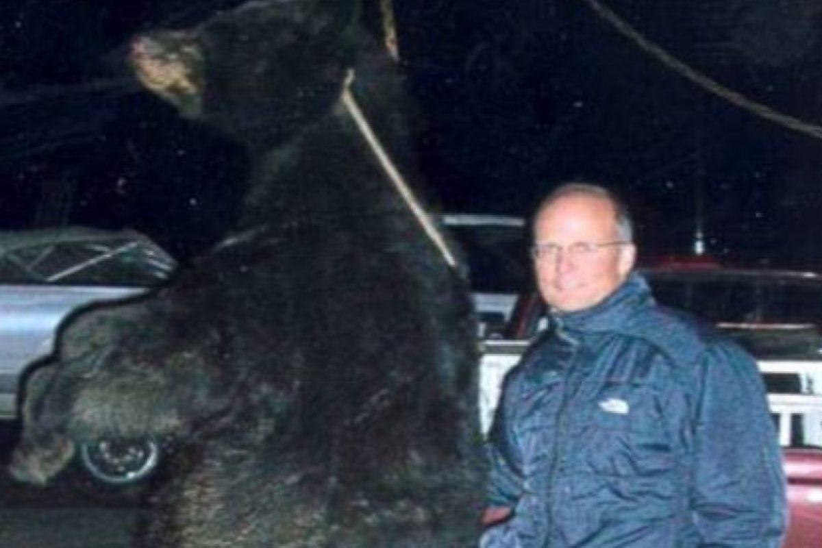 También mató un oso de forma ilegal en 2006, en Wisconsin. Foto:vía Departamento de Recursos Naturales de Wisconsin.. Imagen Por: