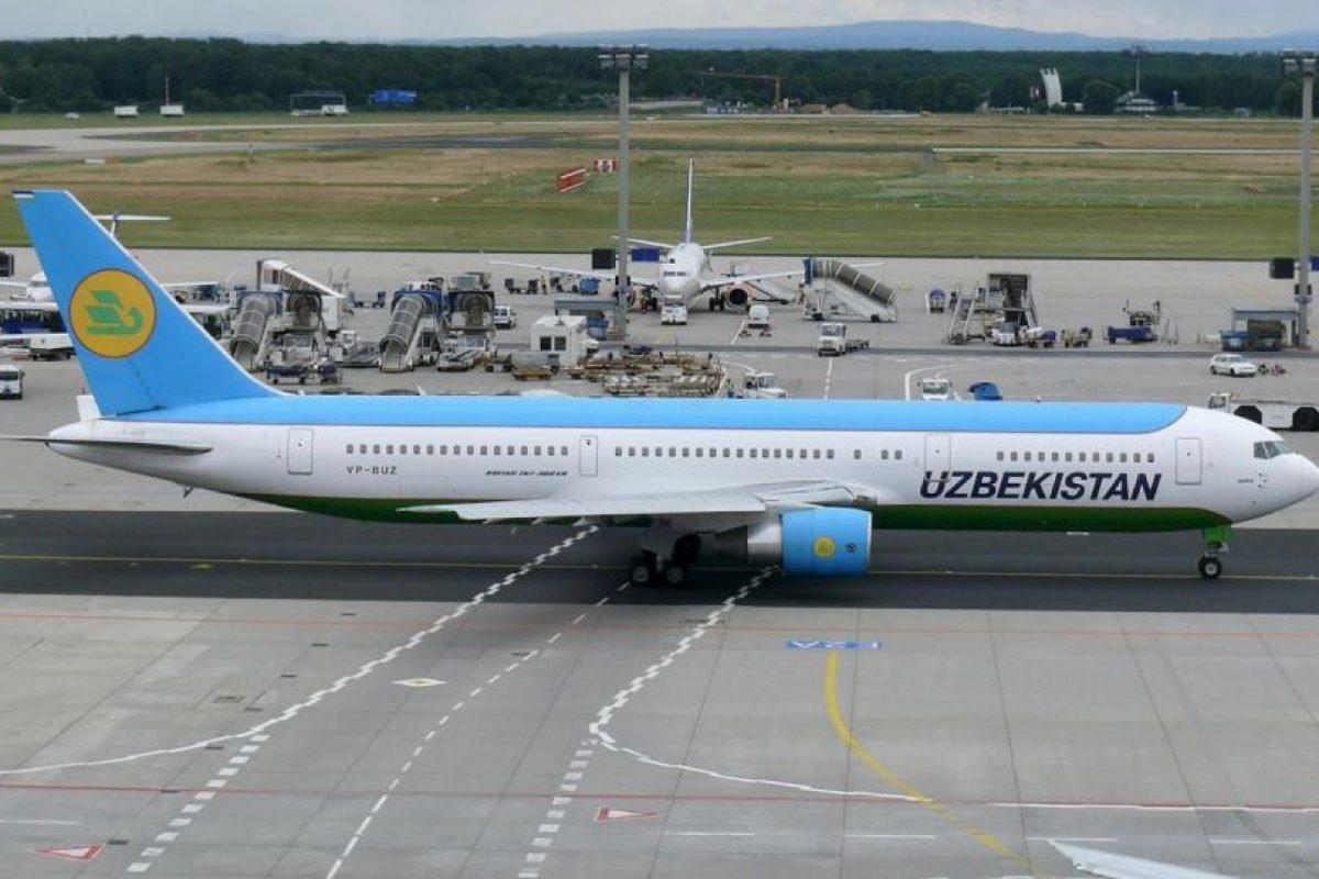 La aerolínea no ha aclarado qué medida considerara sobrepeso. Foto:Vía facebook.com/Uzbekistan-Airways. Imagen Por: