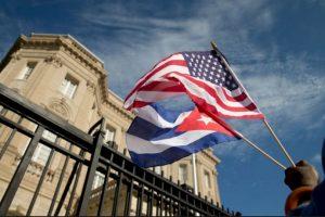 En 1977, durante el mandato del presidente Carter, los gobiernos de los Estados Unidos y Cuba firmaron un acuerdo estableciendo la apertura de la Sección de Intereses de los Estados Unidos (USINT) en La Habana y de la Sección de Intereses de Cuba en Washington DC. Foto:AP. Imagen Por: