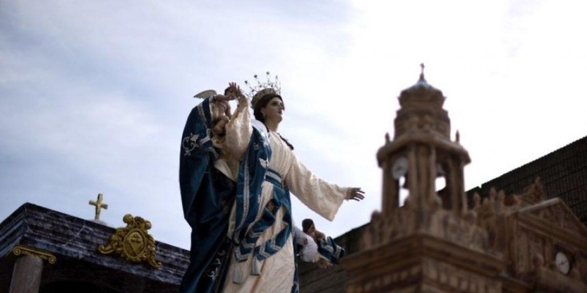 Guatemaltecos celebran fiesta patronal entre molestia por corrupción