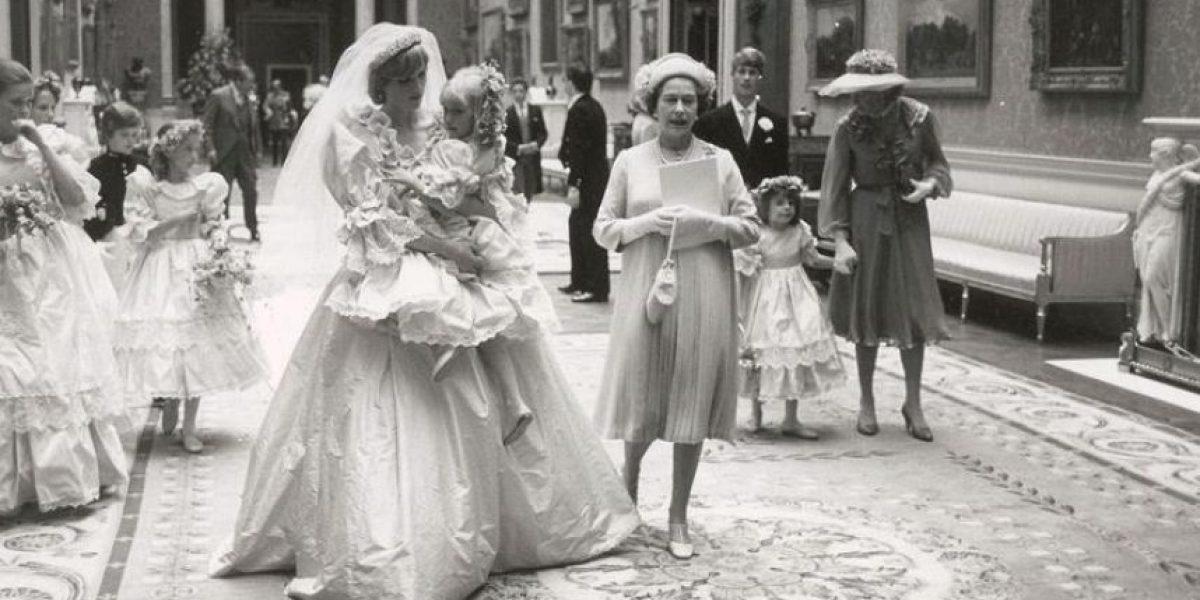 Imágenes inéditas de la boda de Diana conmueven a los británicos