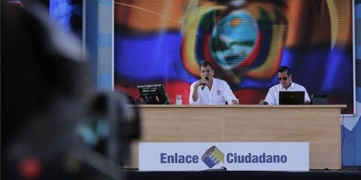 Correa anuncia estado de excepción en Ecuador por actividad de volcán