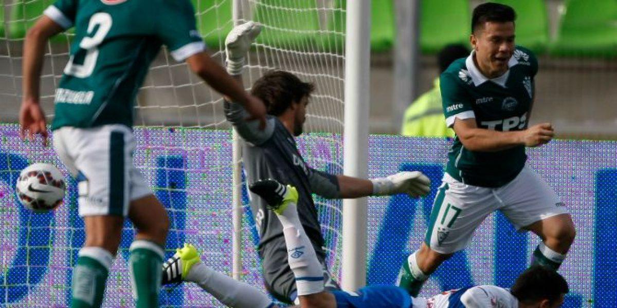 La UC no pudo cerrar el partido con uno más y empató con Wanderers en Valparaíso
