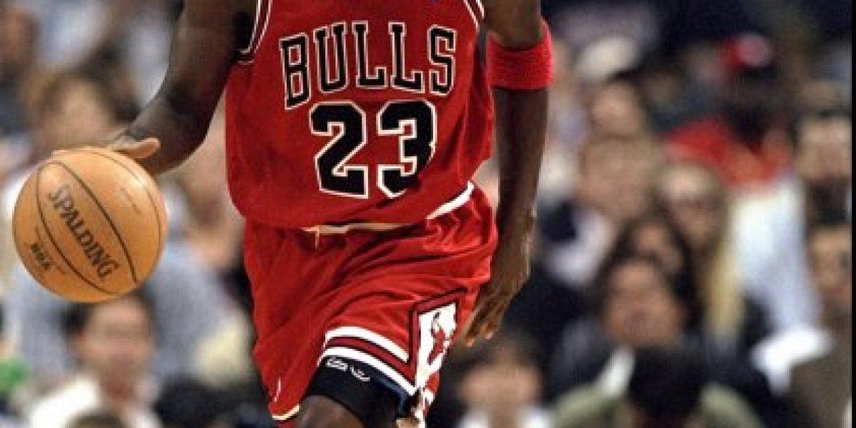 LeBron James responde el reto de Michael Jordan de un mano a mano