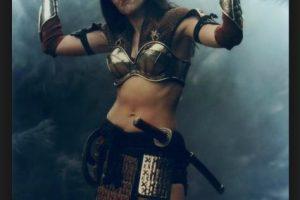 Xena: Warrior Princess fue una exitosa teleserie que presentaba por primera vez una heroína femenina Foto:Redifusión. Imagen Por: