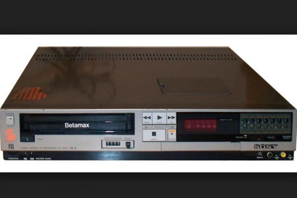 Este reproductor de video en realidad no fue un fracaso, pero tuvo una corta vida por el rápido desarrollo de otros formatos de video en cinta como el VHS Foto:Sony. Imagen Por: