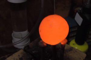 Aún con tres de estas esferas, algunos circuitos quedaron intactos Foto:carsandwater. Imagen Por: