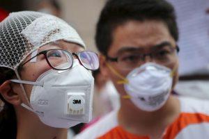 Los familiares y desplazados buscan respuestas Foto:AFP. Imagen Por: