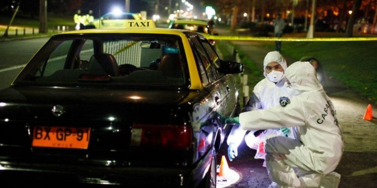 Puente Alto: hallan a taxista muerto en su vehículo producto de un balazo