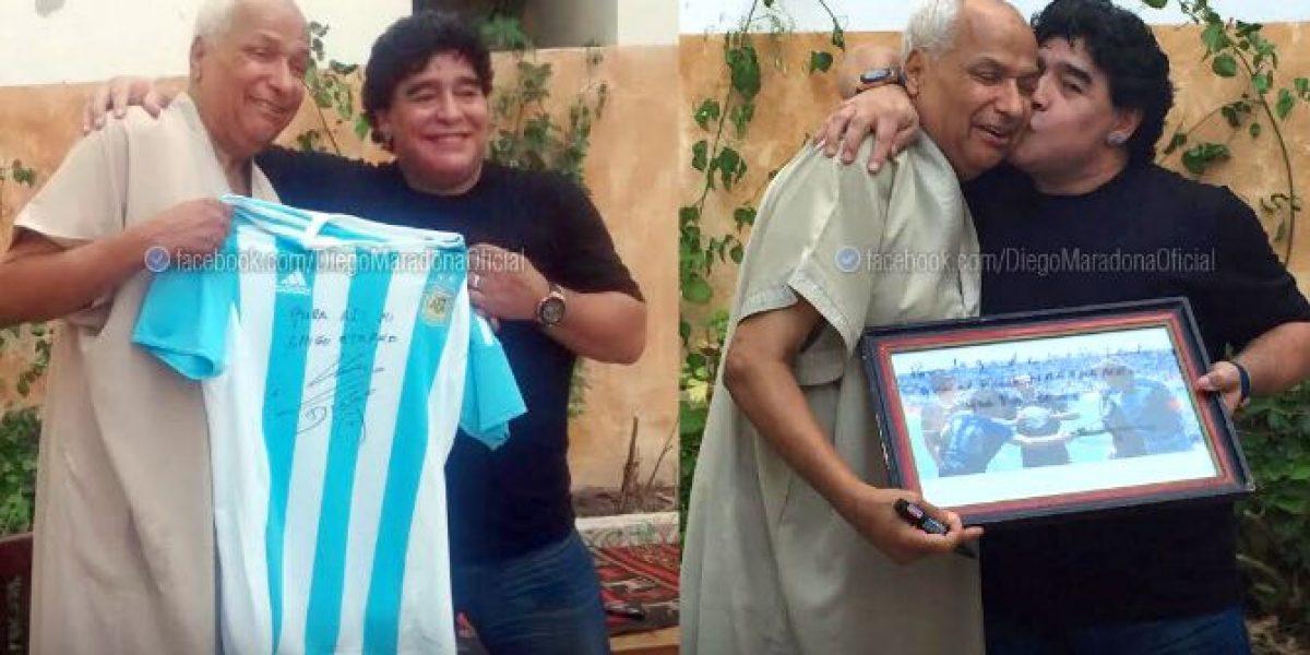 Maradona se reencontró con el árbitro que no vio