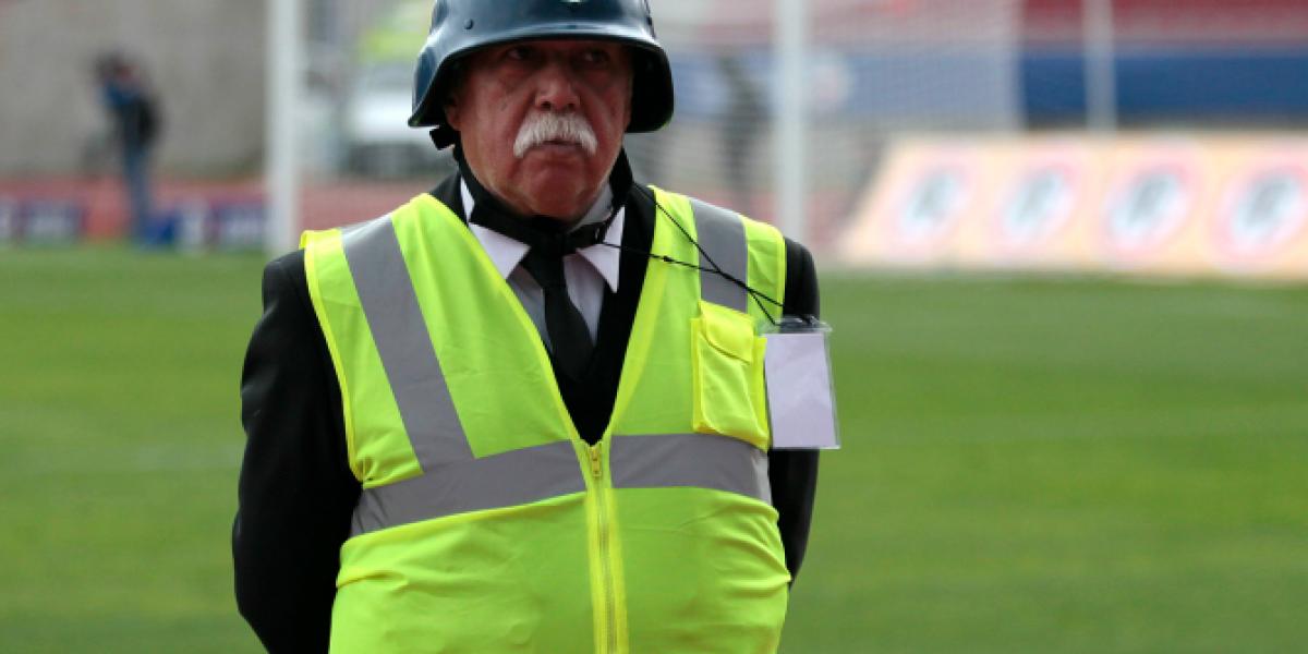 Guardias inauguraron los cascos en los estadios para el duelo Cobresal-Colo Colo