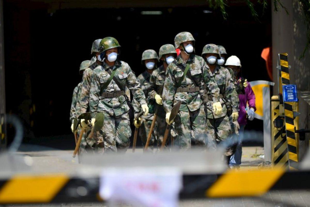 En lugares cercanos a la Zona Cero, continúan las labores de rescate de cuerpos Foto:Getty Images. Imagen Por: