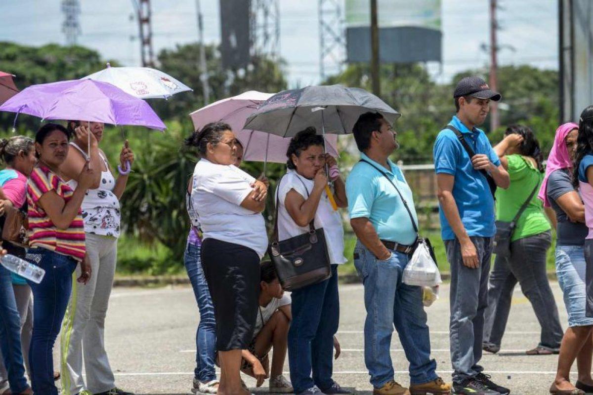 Debido a la crisis económica que enfrenta Venezuela empresas financieras comenzaron a tomar medidas. Foto:Getty Images. Imagen Por: