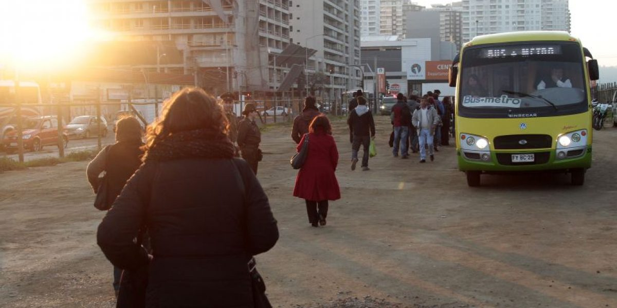 Metro de Valparaíso aumenta flota de buses de emergencia por paro de micros