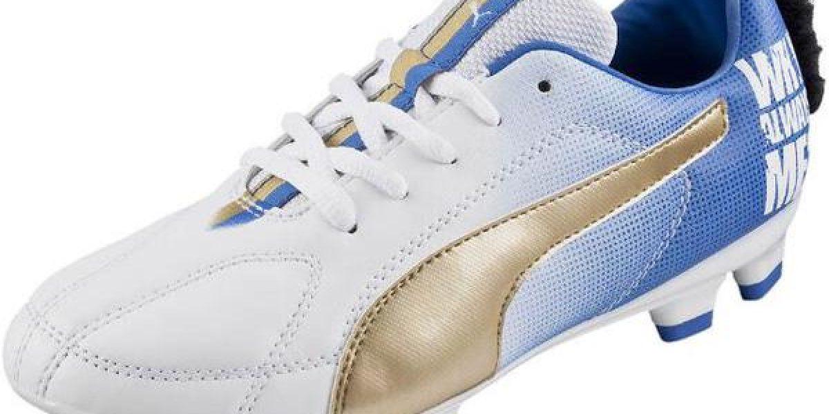 Mario Balotelli estrena nuevos zapatos con excéntrico diseño