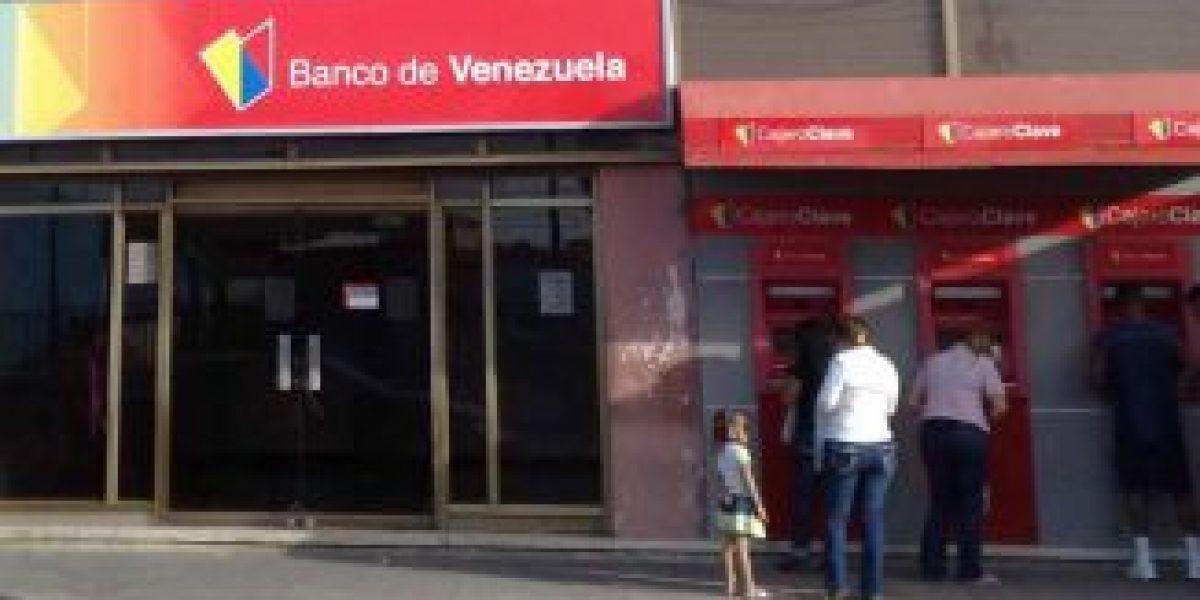 Venezuela: restringen cantidad de dinero que se puede sacar de cajeros