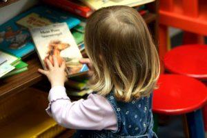 Esto con ayuda de libros, sin embargo ninguno tenía personajes transgéneros. Foto:Getty Images. Imagen Por: