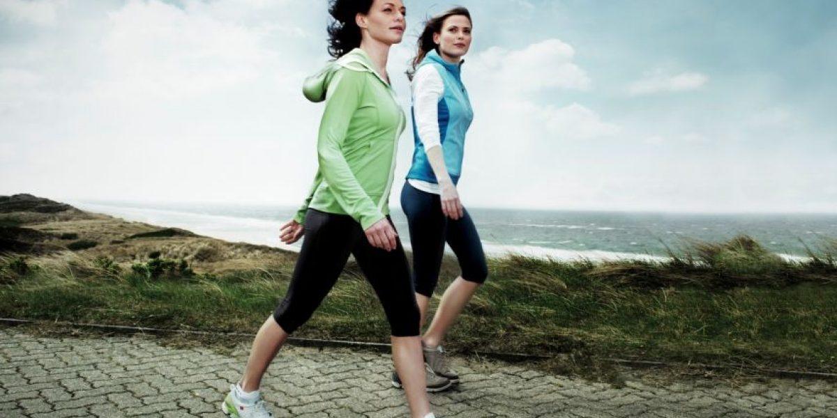 Este es el número de pasos que deberían de dar para comenzar a bajar de peso