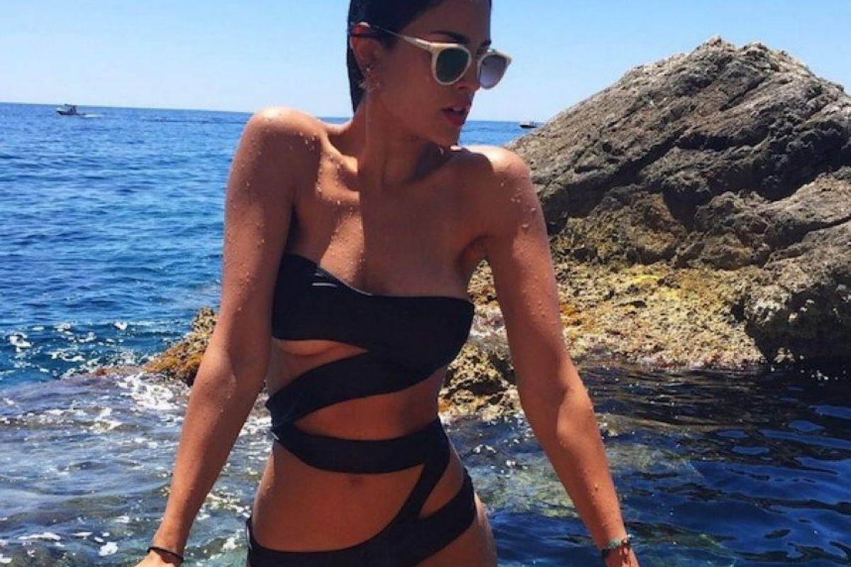 Eiza en traje de baño de tiras Foto:Vía instagram.com/eizagonzalez/. Imagen Por: