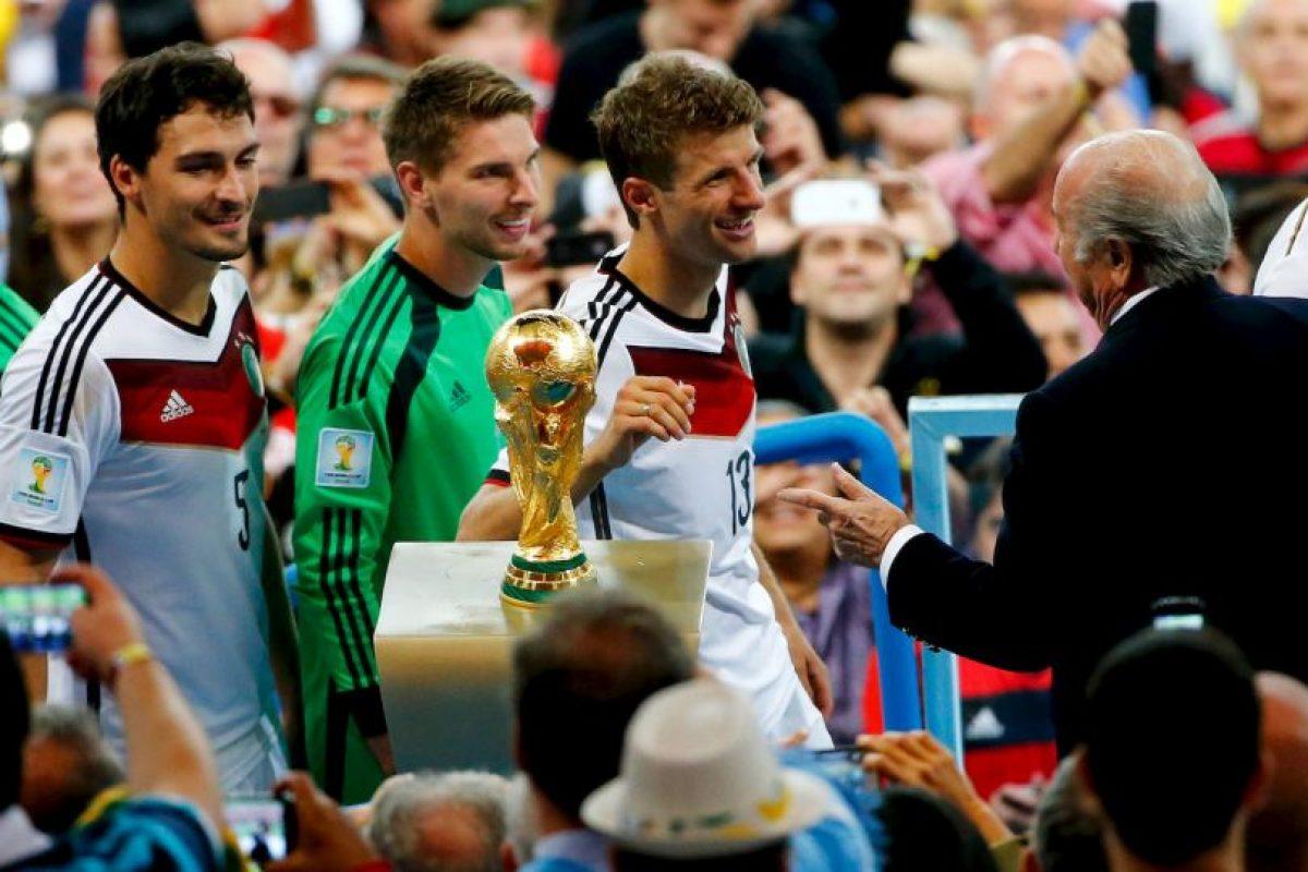 Louis Van Gaal y el Manchester United no están satisfechos con sus fichajes, quieren más. Foto:Getty Images. Imagen Por:
