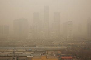 Un estudio detalló que cuatro mil personas mueren diariamente en China debido a la contaminación. Foto:Getty Images. Imagen Por: