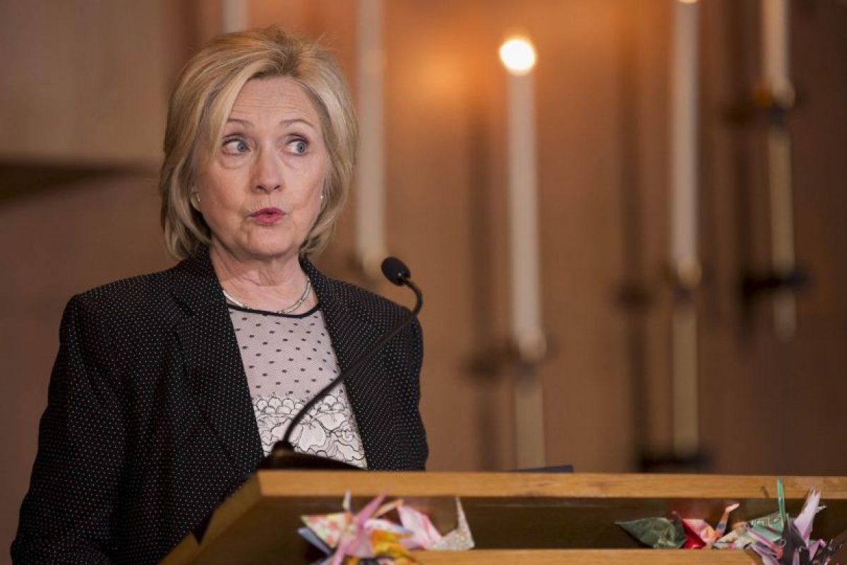 La precandidata del Partido Demócrata, en repetidas ocasiones ha asegurado que no envió ni recibió información clasificada. Foto:Getty Images. Imagen Por: