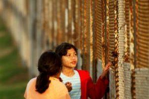 Sugiere que las instituciones de seguridad como el Servicio de Inmigración y Control de Aduanas de Estados Unidos deben cooperar para deportar a los pandilleros encarcelados Foto:Getty Images. Imagen Por: