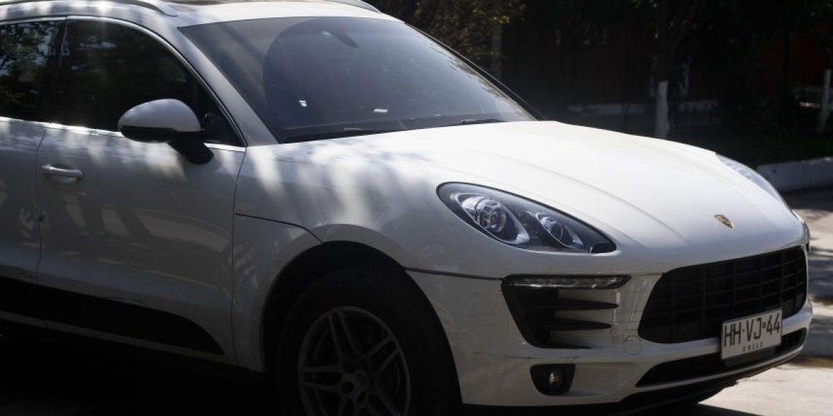 Recuperan Porsche robado tras