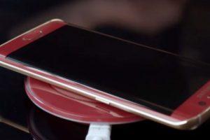 De esta forma se carga de forma inalámbrica. Foto:Samsung. Imagen Por: