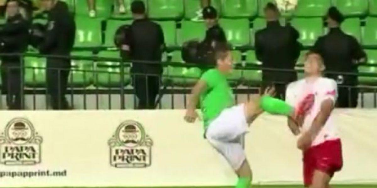 ¡Qué dolor! La criminal patada en el rostro que se vio en la Europa League
