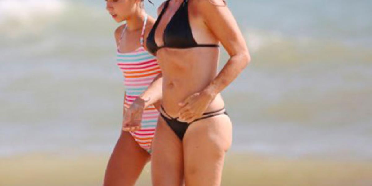 Marta Sánchez luce sus 49 años en bikini: ¡Más espectacular que nunca!