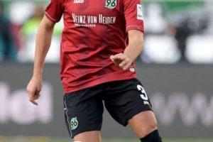 La temporada pasada fue su debut en la Bundesliga y tuvo acción en varios partidos. Para esta campaña, Miiko se propone ser titular y convertiste en pieza clave del Hannover 96. Foto:Getty Images. Imagen Por: