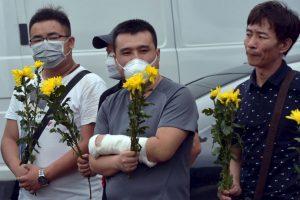 Vigilia por los muertos tras explosión en China. Foto:AFP. Imagen Por: