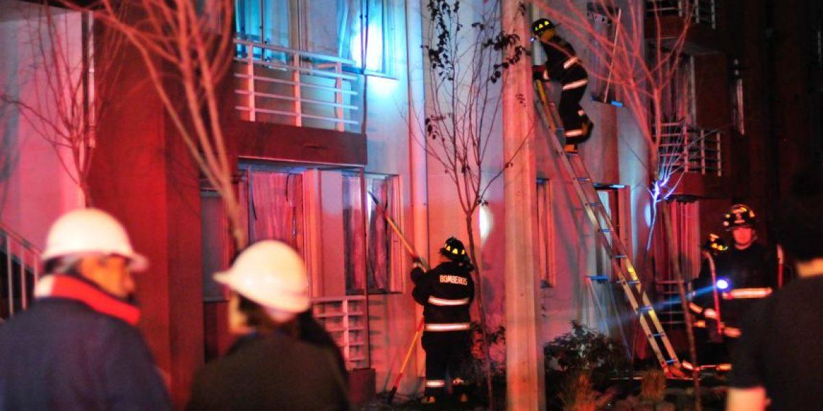 Explosión deja inhabitables a cinco departamentos en San Joaquín
