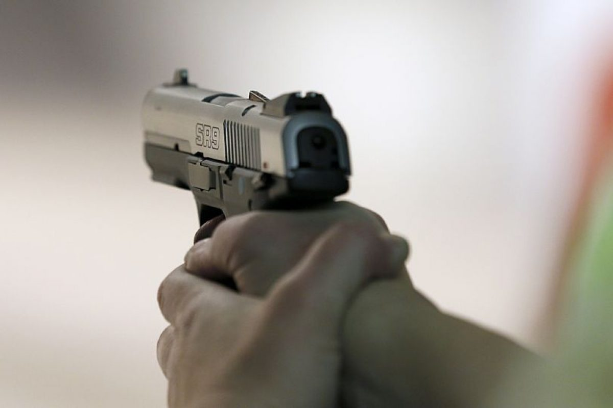 7. En agosto de 2014, un joven de 17 años asesinó a su padre, madre y hermano en el estado de Tlaxcala en México, tras discutir con su progenitor quien lo amenazó con un arma de fuego para reclamare el haber dejado de estudiar. Foto:Getty Images. Imagen Por: