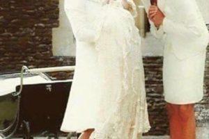 5. La foto falsa de la princesa Diana en el bautizo de su nieta, Charlotte de Cambridge Foto:Vía Twitter. Imagen Por: