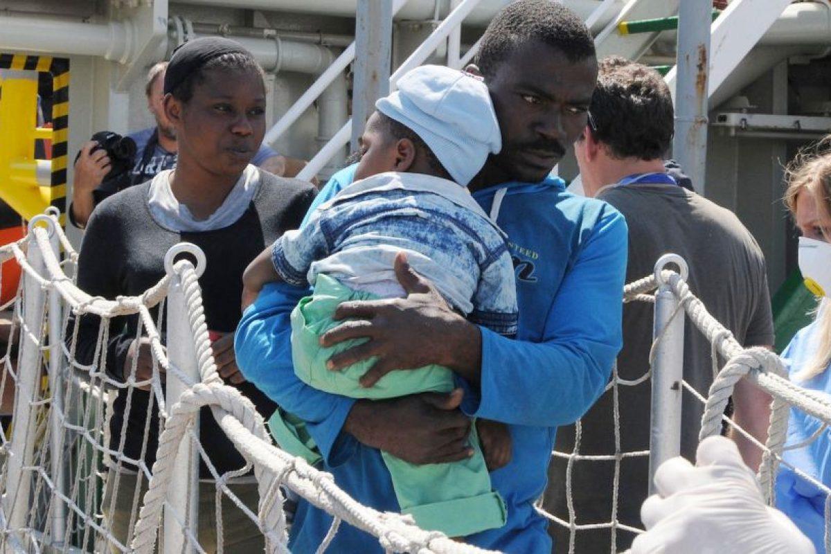 Inmigrantes de nacionalidad dominicana y cubana son los más que intentan entrar a la isla por dicho canal. La zona es peligrosa por ser un área de tiburones. Foto:AP. Imagen Por: