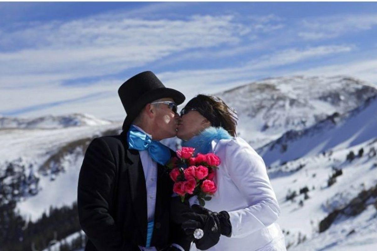 Una reciente encuesta llevada a cabo por la antropóloga biológica Helen Fisher asegura que el amor a primera vista existe. Foto:Getty Images. Imagen Por: