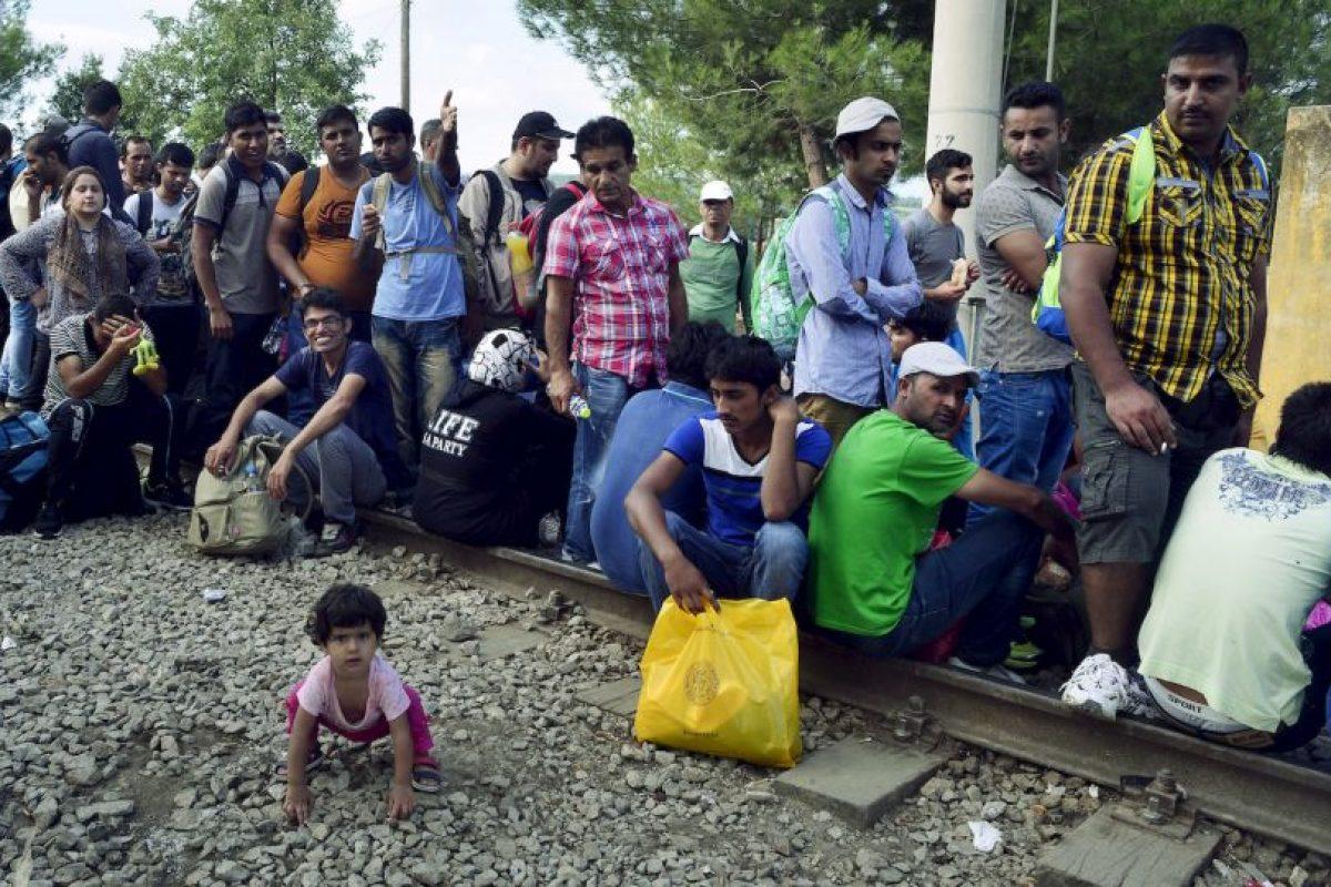 Más de tres mil 400 inmigrantes han sido rescatados por la Guardia Costanera italiana este fin de semana. Foto:Getty Images. Imagen Por: