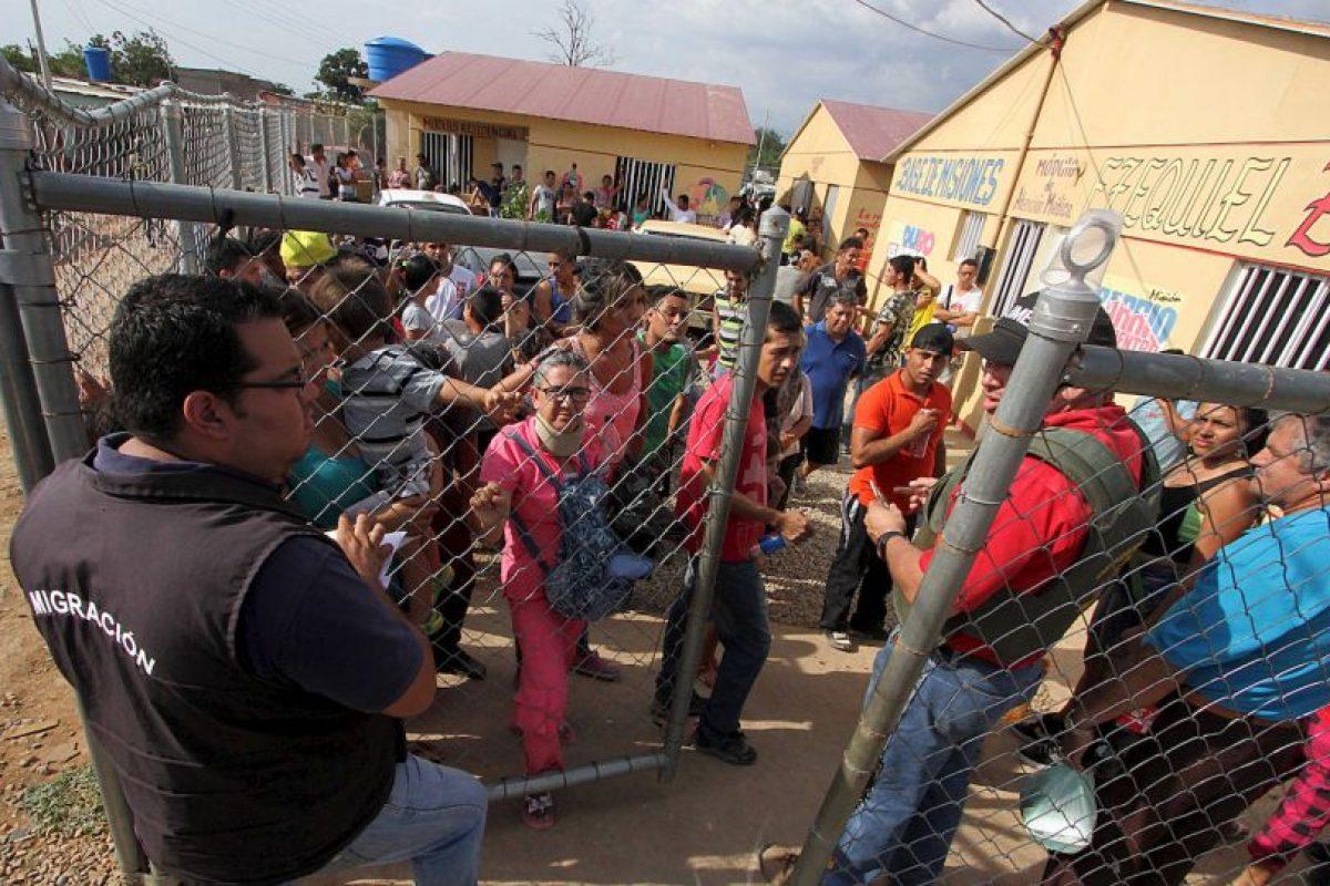 """Además de """"analizar la situación familiar antes de aplicar medidas de deportación, para garantizar la unión entre padres e hijos"""", esto, en el estado de excepción lanzado por Maduro durante el fin de semana. Foto:AFP. Imagen Por:"""