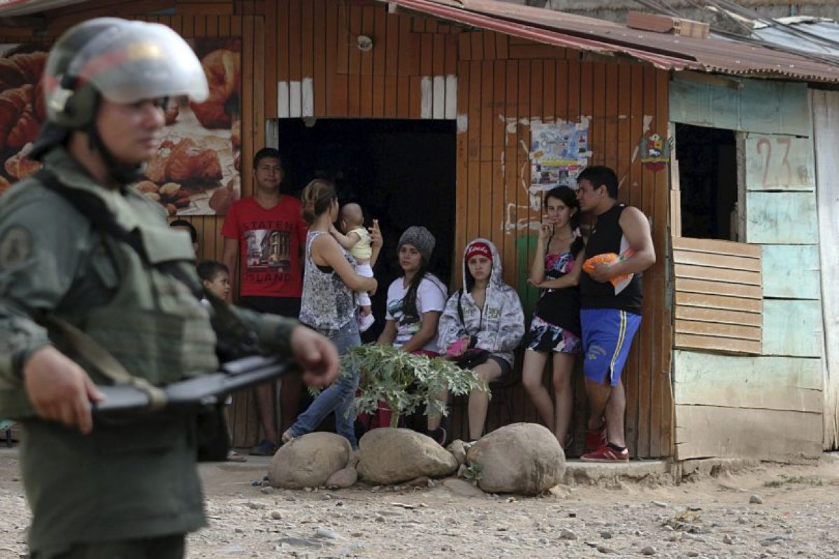 """""""Ratifico que desde Colombia se conspira contra nuestra Patria, la derecha está coordinando nuevamente que grupos asesinos vengan a nuestra Patria"""", escribió Maduro en su cuenta de Twitter el fin de semana. Foto:AFP. Imagen Por:"""