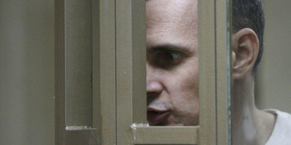 Cineasta ucraniano Oleg Sentsov condenado a prisión en Rusia por