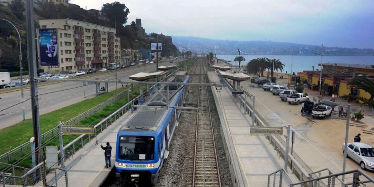 Metro de Valparaíso reanuda servicio tras superar falla