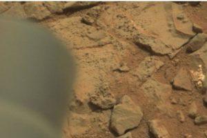 Esta es la imagen difundida por la NASA Foto:Original en http://mars.jpl.nasa.gov/msl-raw-images/msss/00153/mcam/0153MR0008470180201260E01_DXXX.jpg. Imagen Por: