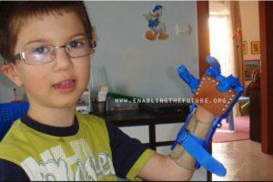 Otros regalos de e-NABLE para niños Foto:Facebook/E-Nable. Imagen Por: